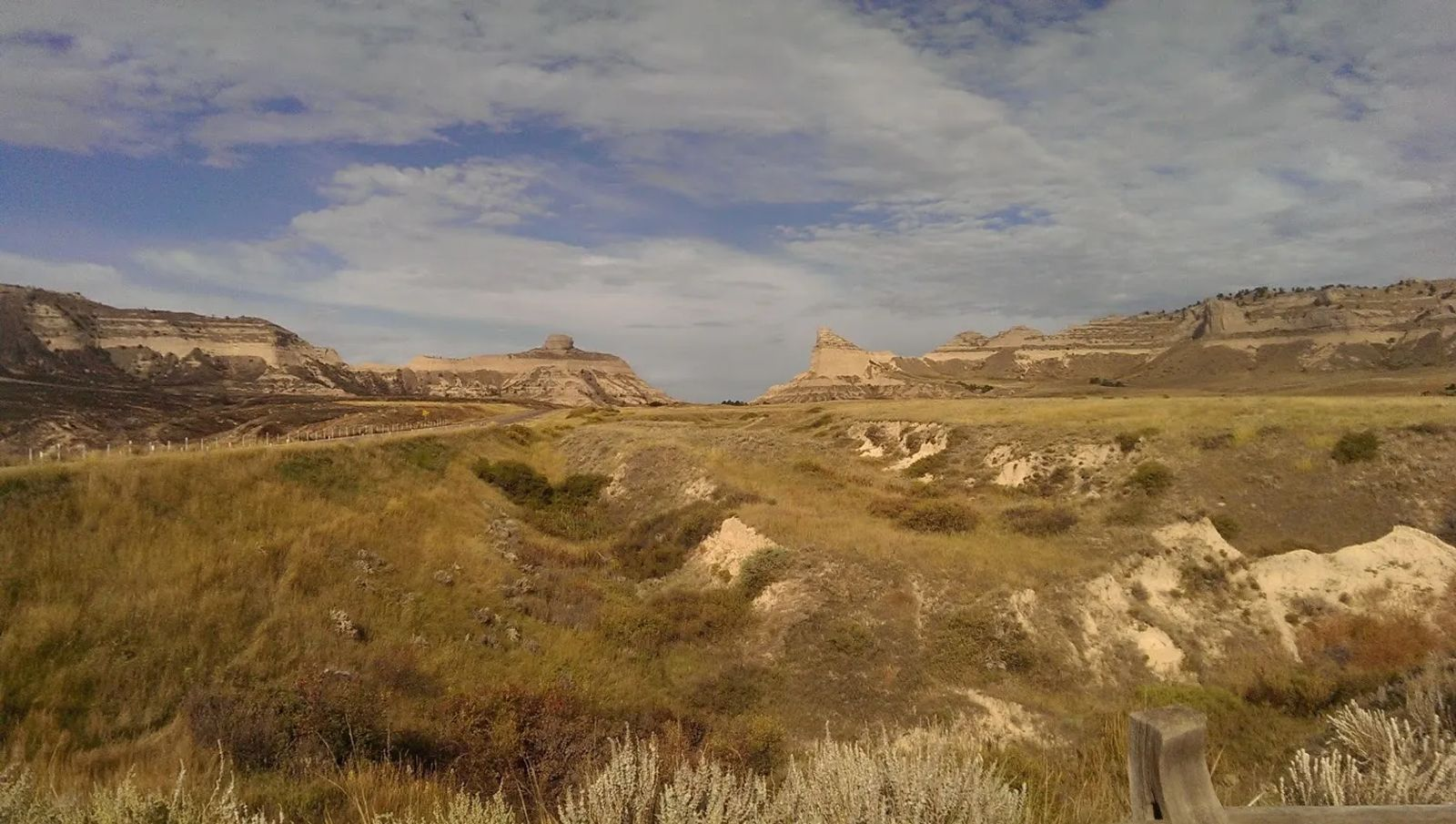 Photo of the Oregon Trail ruts approaching Scotts Bluff Nebraska