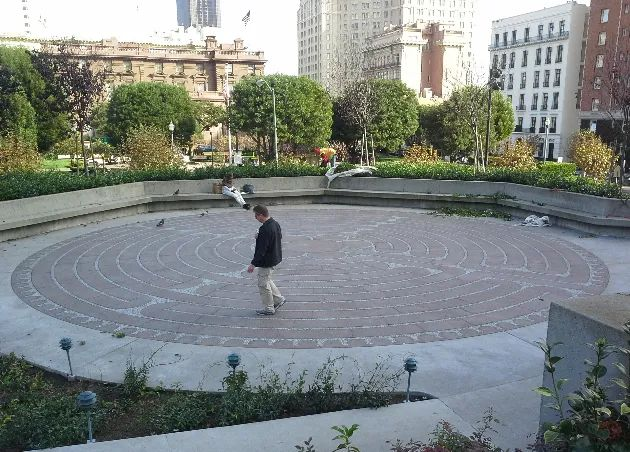 Photo of the outdoor labyrinth at Grace Cathedral, in San Francisco, California