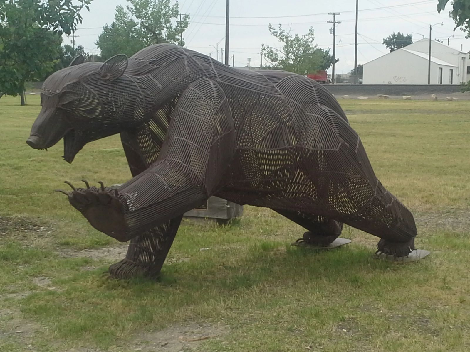Photo of A grizzly bear sculpture in Great Falls, Montana